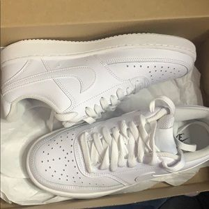 WMNS NIKE COURT VISION LOW 6 1/2